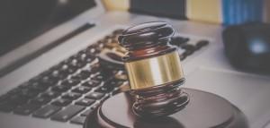 Advokater findes i stigende grad på nettet