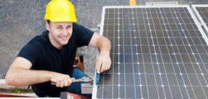 Elektrikerstuderende udvikler app til solcelleanlæg