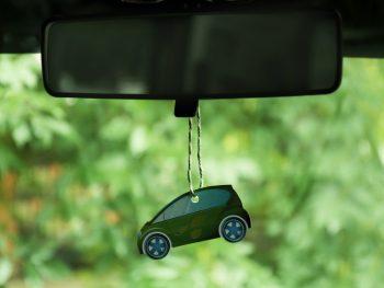 Duften af ny bil øger prisen